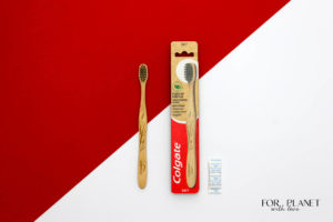 bambusowa szczoteczka do zębów marki Colgate wraz z opakowaniem